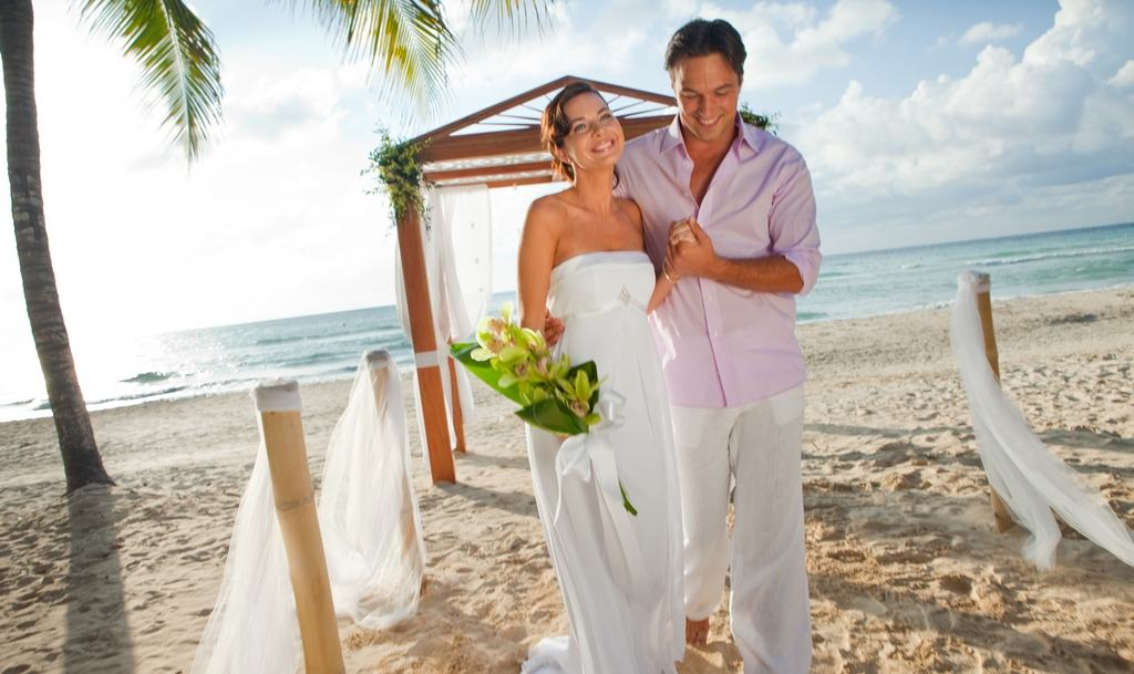 Couples Swept Away Wedding Modern Destination Weddings