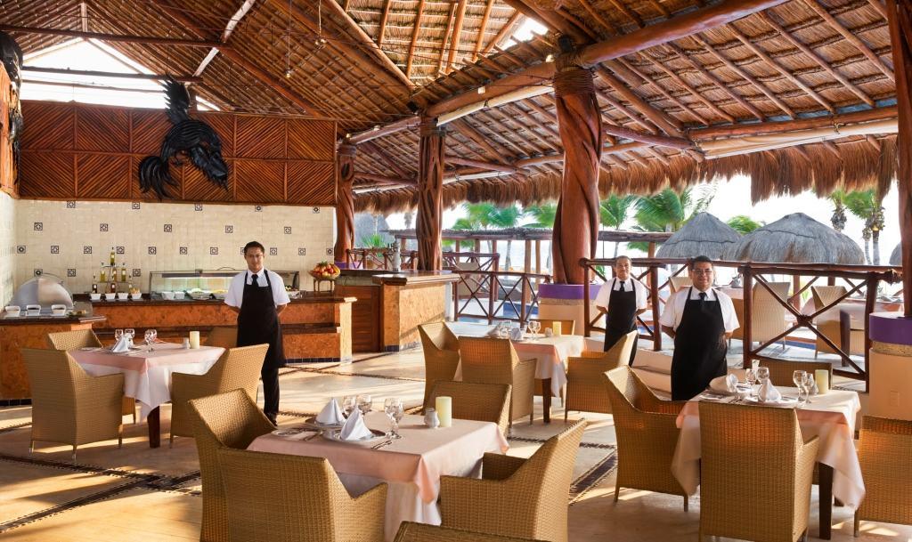 Excellence Riviera Cancun Wedding - Modern Destination Weddings