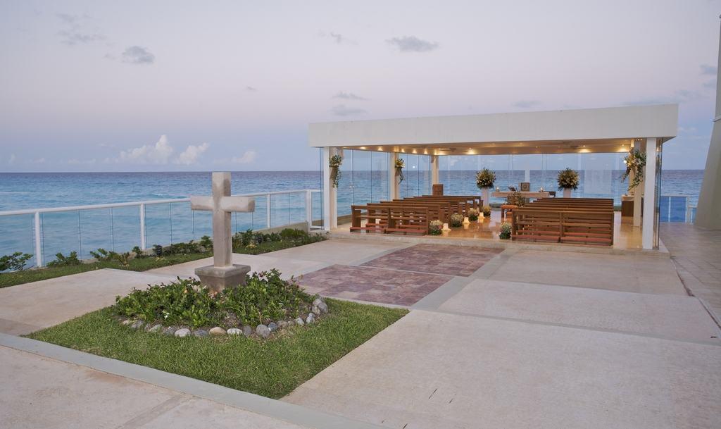Gran Caribe Real Wedding