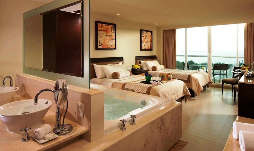 Hotel Lucia Room Service Menu