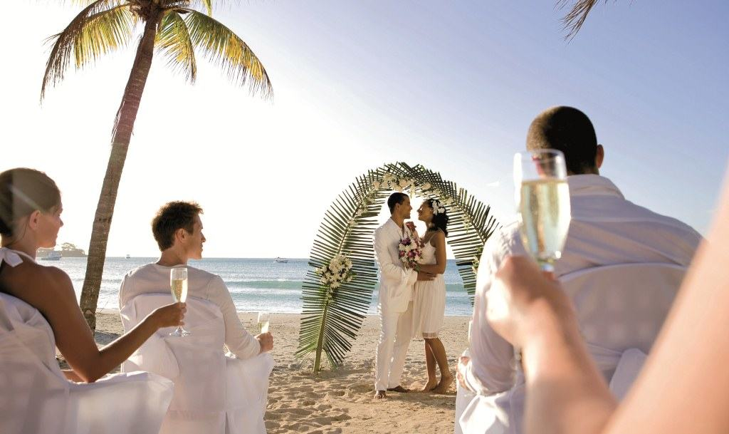 Riu Palace Tropical Bay Wedding Modern Destination Wedding