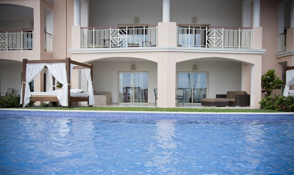 Majestic Elegance Punta Cana Elegance Club Swim Up Suite Terrace - bahamas beach wedding