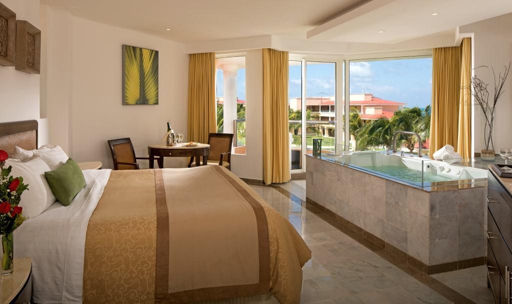 Paradise Resort Family Room