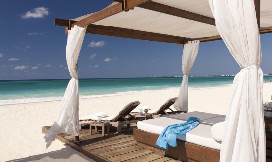 Turks And Caicos Resorts >> Ritz-Carlton Grand Cayman Wedding - Modern Destination Weddings