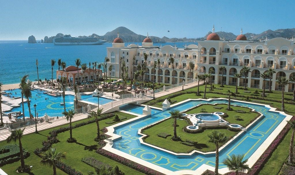 Riu palace cabo san lucas wedding modern destination for Best caribbean honeymoon resorts