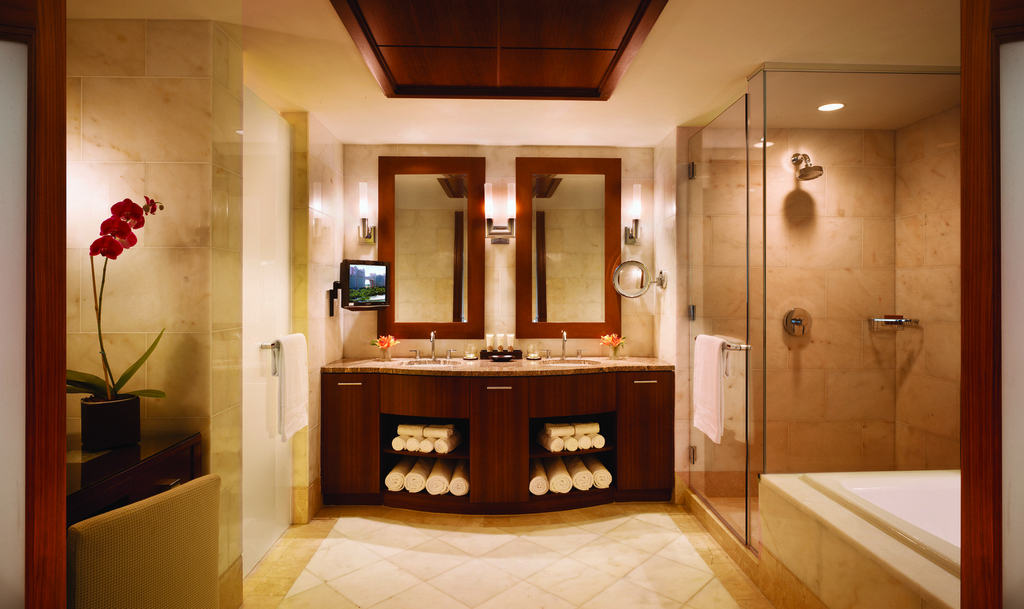 The Reef Atlantis One Bedrrom Deluxe Suite Bathroom - bahamas beach wedding