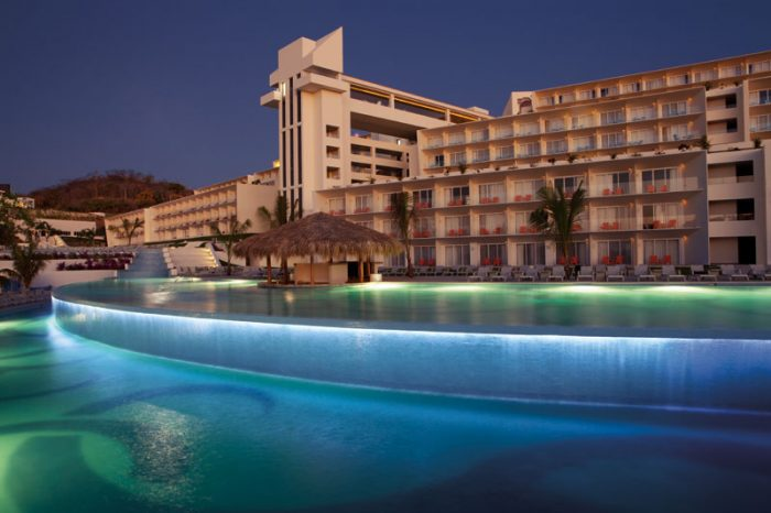 Secrets Huatulco Resort Amp Spa Wedding Modern Destination
