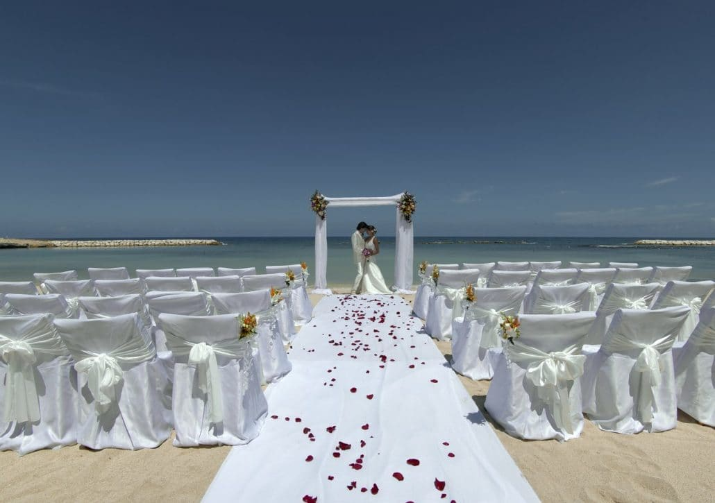Grand Palladium Lady Hamilton Wedding Modern Destination