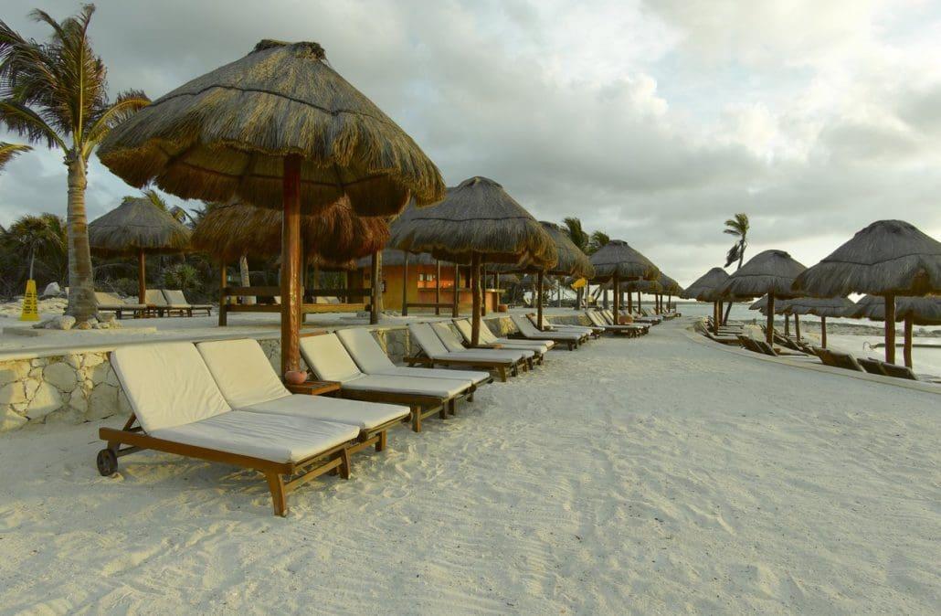 Grand Palladium White Sand Wedding Modern Destination