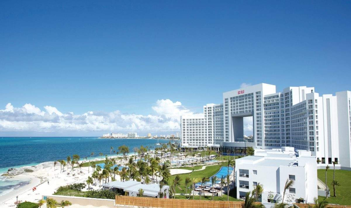 Riu Palace Peninsula Overview