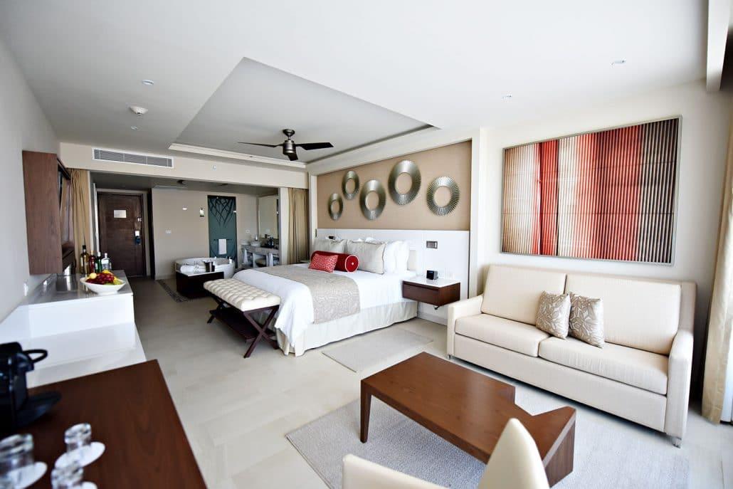 Royalton Riviera Cancun Resort Wedding Modern